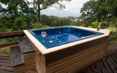 Wonderful-Hot-Tub-near-Fife